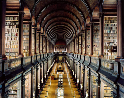biblioteca-6-trinity-college-library-aka-the-long-room-dublin-irlanda1