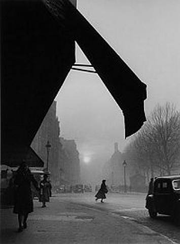 paris-yu6-foto-por-willy-ronis-1959-afterimage-gallery-dallas-usa-artnet