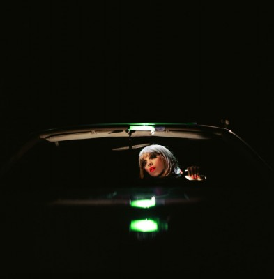 noche en automovil.-foto Alex Prager.-Michael Hoppen Contemporary