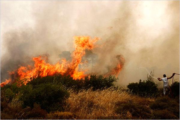 Atenas.-2.-fuego en Grecia.-fotoi Yiorgos Karahalis.-Reuters.-The New York Times