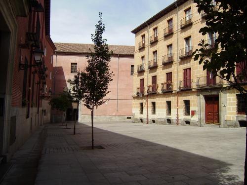 Plaza del Conde de Miranda.-1