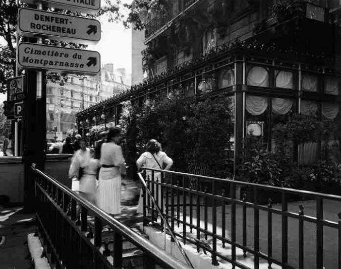 París.-17.-Le Dome, Boulevard Montparnasse, 1990.-AtgetRephorographic Project