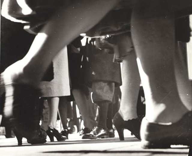 LISETTE MODEL.-8877bn.-Calle 42.-New York.-1940-41.-artnet