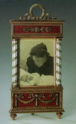 RUSIA.-9.-foto de la emperatriz Alexandra Fyodovna con su hija Tatyana.-Taller de Fabergé.-San Petersburgo.-1890