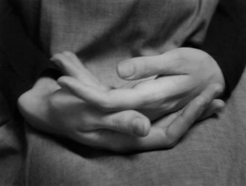 manos-kkjmn- Paul Caponigo- mil novecientos sesenta y cinco