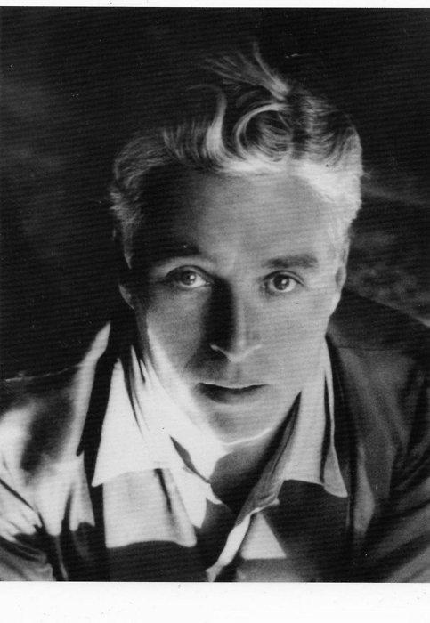 cine.-388.-Charlie Chaplin.- Foto Lee Miller
