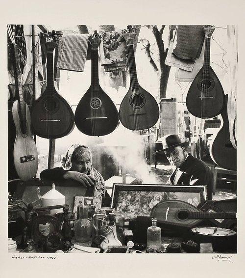 ciudades.-r5bbn.-Lisboa.- 1956 -música.-Eduardo Gageiro