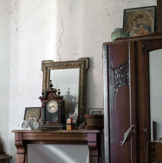 interiores-nhu-espejos-prosperie-casa-en-ronces-dos-mil-trece